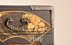 Antique Japanese Lacquer Maki-e Small Chest of Drawers Edo Era 2